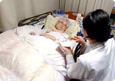 「在宅訪問」で高齢者支援